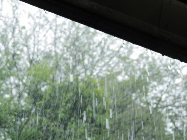 雨漏りの応急処置方法
